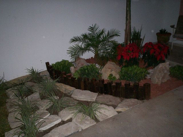 Multiples materiales decorativos son la base de un jard n - Rocas decorativas para jardin ...